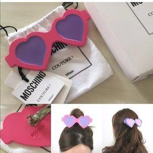 NWOT Moschino Barbie Heart Sunglasses Hair Cip